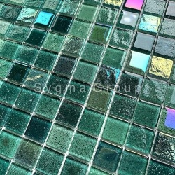 Green glass mosaic tile for bathroom and kitchen walls Habay Vert